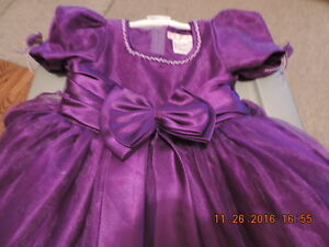 Girl's Size 5T ThyThy Brand Party Dress - PPU London Ontario image 2