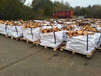 Dried Hardwood logs in builders bags. free delivery in HP,OX,SN,GL,RG,SL,MK,NN post codes.