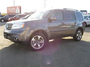 2015 Honda PiloT/LOADED/DVD/ROOF/BACK UP CAMERA/LOW LOW PAYMETNS