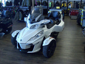 2016 Can-Am Spyder RT-S 6 Speed Clutchless Semi-Automatic