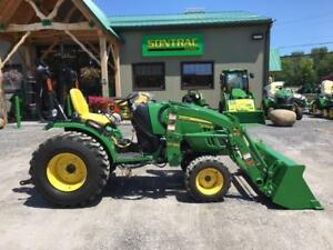 2014 JOHN DEERE 2032R COMPACT TRACTOR / LOWER. 50 HOURS ONLY!