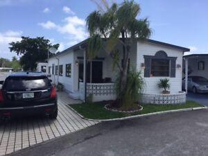 Maison  a louer en Floride sur bord de l'eau avec piscine privé