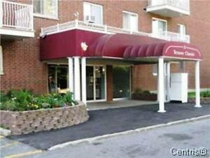 Beautiful 2 Bedroom Condo - Minutes to Downtown Ottawa