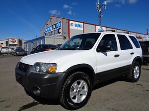 2005 Ford Escape XLT SPORT-LEATHER-SUNROOF--WITH REMOTE  STARTER