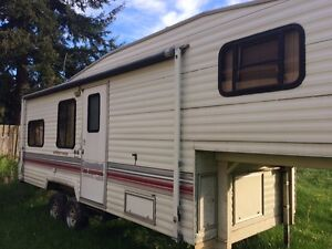 1992 Wilderness 26.5 ft. 5th Wheel
