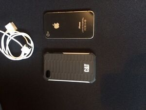 IPHONE 4 WITH CASE & CHARGER