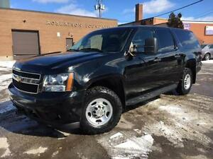 2013 Chevrolet Suburban 4X4 **9 PASSENGER-WE FINANCE**