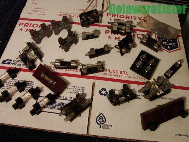 *Vintage Large Mixed Lot of Radio Electronic Fuse Holders Blocks Mounts etc.