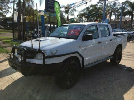 2011 Toyota Hilux KUN26R MY10 SR White Manual Utility Cabramatta Fairfield Area Preview