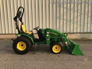 2014 John Deere 2032R Compact Tractor Loader