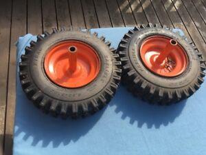 Pneus pour souffleuse ou tracteur / Snow blower or tractor tires
