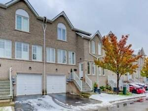 Town house for sale in Pickering