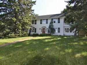 Luxury Home in Windsor Park University Area, Saskatchewan Dr.