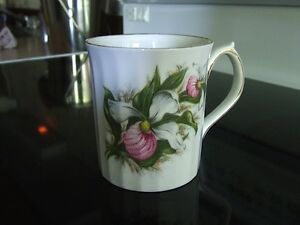 BONE CHINA - Mug + Cups & Saucers - Tasses en porcelaine