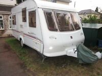 DEPOSIT TAKEN Crown 475 2001 5 berth. MTPLM only 1150kg. Rear bunks or dinette.