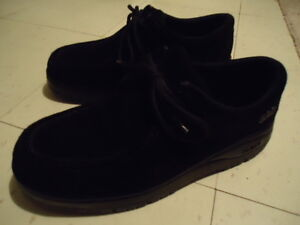 LIKE NEW PAIR OF STACY ADAMS BLACK SUEDE NUBUCK LOAFERS SHOES