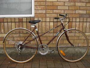 "Ladies vintage circa 1975 Road King 5-speed, 27"" wheel city bike"