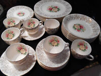 *** Antique Empire porcelaine Dinnerware set ***