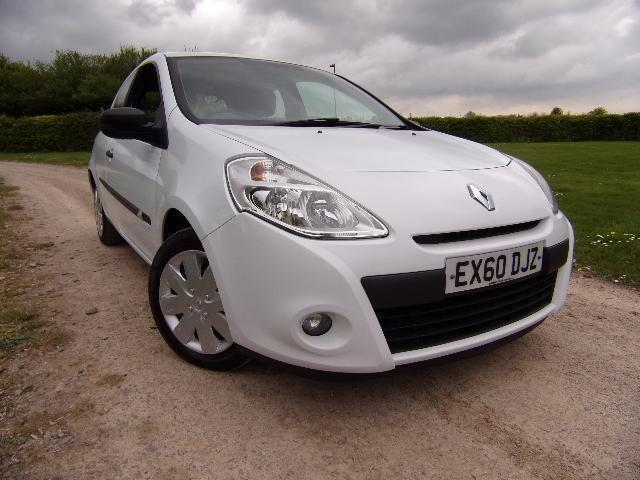 renault clio 1 2 16v 75bhp extreme in coleford gloucestershire gumtree. Black Bedroom Furniture Sets. Home Design Ideas