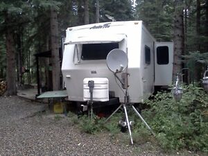 2004 31' ARCTIC FOX[ 4 SEASON ] TOP OF LINE TRAILER!