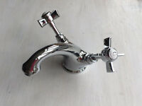 BRAND NEW ** Traditional Mixer Tap and push sink plug.