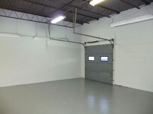 Lease / Rent Industrial Unit in Lindsay $850.00 + hst