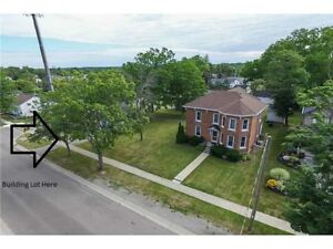 Building lot (all services available) in heart of Cayuga