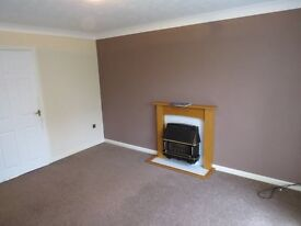 one bedroom flat (ground) one minute from high street