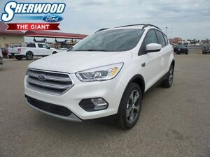 2017 Ford Escape SE AWD, Moonroof, Heated Front Seats, Sync Conn