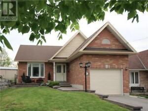 Family Bungalow- Close to High School and Public Schools