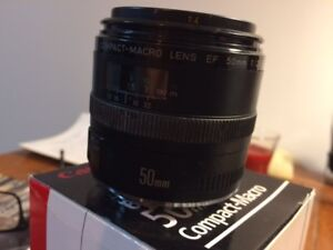 REDUCED-Canon 50 2.5 compact macro lens