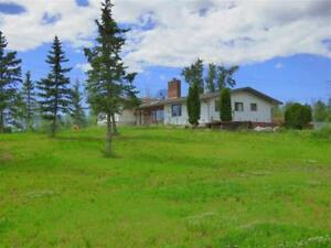 !!! GREAT 8 ACRE ACREAGE 5 MINUTES TO EDMONTON !!!