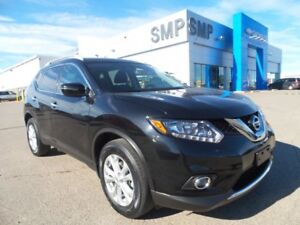 2016 Nissan Rogue SV - AWD, Heated Seats, Panoramic Sunroof