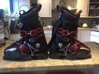 Men's Atomic Live Fit Plus ski boots and bag - size UK 9
