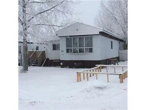 PERFECT STARTER HOME ! LOW LOT RENT !