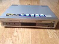 Sony SLV-D900 HiFi Stereo VCR (Combo - Please Read)