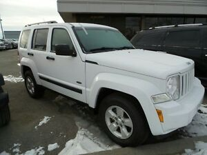 2011 Jeep Liberty Sport $0 DOWN FINANCING LOW KMS!!!!!