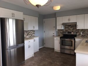 Renovated 3 bedrooms up with 2 bedrooms suite