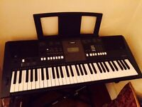 ELECTRIC KEYBOARD EXCELLENT CONDITION - QUICK SALE