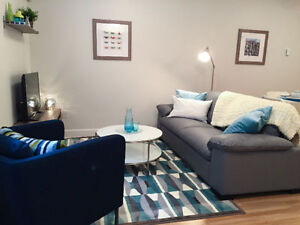 Furnished 2 Bedroom Modern Suite - Daily/Weekly/Monthly
