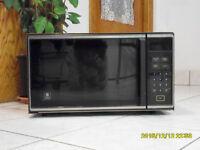 Micro-onde GE- Microwave GE.