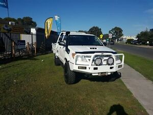 2008 Toyota Hilux KUN26R MY08 SR White 5 Speed Manual 2D CAB CHASSIS Ingleburn Campbelltown Area Preview
