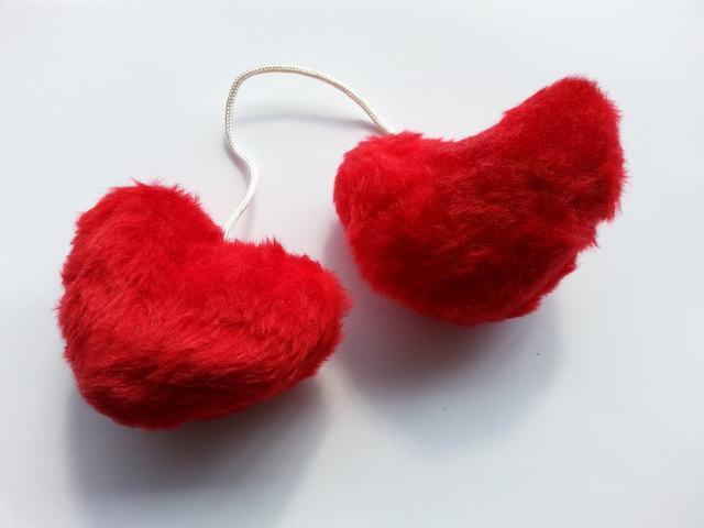 Red Fluffy Love Hearts Pair Valentine Novelty Gift Idea M17/10