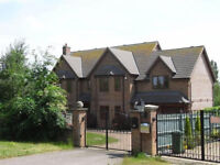 ***A STUNNING DOUBLE ROOM TO RENT IN FURZTON WITH LAKE VIEWS *** £850.00 PCM***