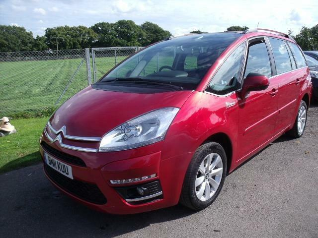 citroen c4 picasso grand vtr plus hdi egs low mileage red auto diesel 2011 in henfield. Black Bedroom Furniture Sets. Home Design Ideas