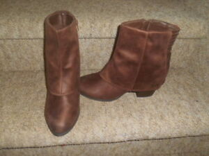 Ladies size 11 boots. NEW!