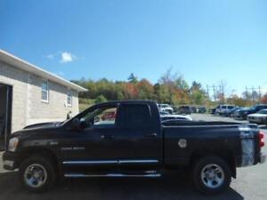 2007 Dodge Ram 1500 SLT 4X4 , NICE LOOKING TRUCK FINANCING AVAIL