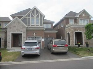 Beautiful 4 bed Detached, Finished Basement in Milton Aug 1