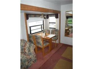 1999 Golden Falcon 28RLG 5th Wheel Trailer with Slideout Stratford Kitchener Area image 9