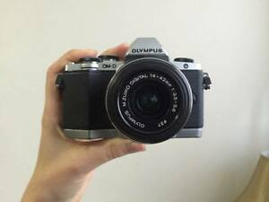 Olympus OM-D E10 Camera WITH 14mm-42 lens